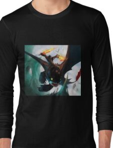 Toothless fighting Long Sleeve T-Shirt