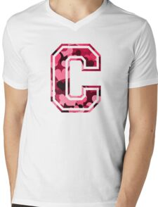 College letter C with hearts pattern Mens V-Neck T-Shirt