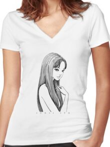 Tomie - Junji Ito Women's Fitted V-Neck T-Shirt