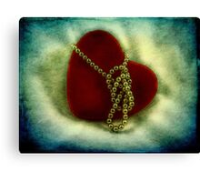 Heart and pearls Canvas Print