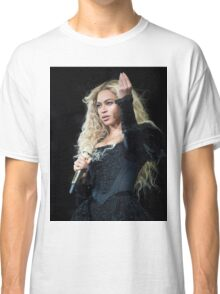 BOW DOWN  FOR QUEEN BEY Classic T-Shirt