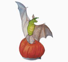Bat Tilli dancing on a pumpkin Kids Tee