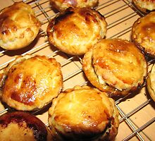 Oven Fresh Mince Pies by BlueMoonRose