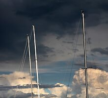sailing in the cloudy sky by spetenfia