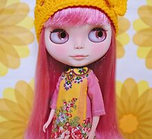 Zahra in pink and yellow by Zoe Power