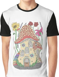 Life in a toadstool Graphic T-Shirt