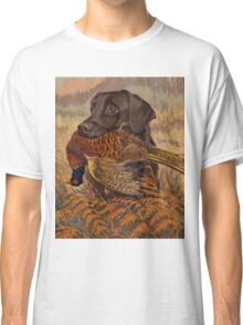 Vintage Chocolate Lab Hunting  Classic T-Shirt