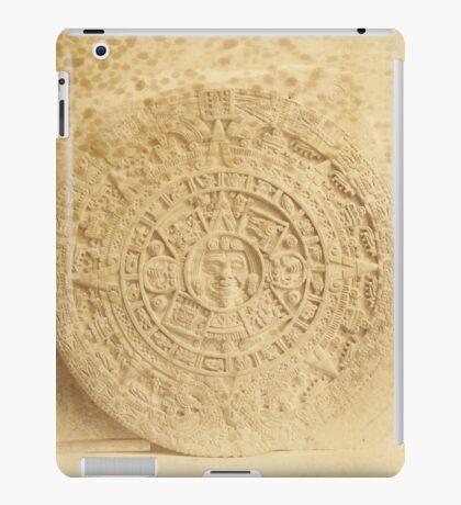 Abadiano's Cast of the Aztec Calendar Stone iPad Case/Skin