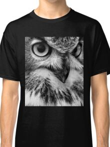 Black and White Owl Portrait Classic T-Shirt