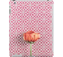 A buttercup on graphic background iPad Case/Skin
