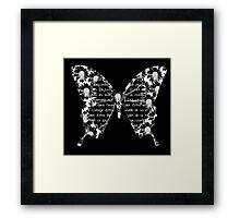Papillon blanc sur fond noir Framed Print
