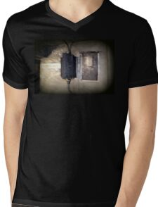 Battery Mishler Power Hoist Mens V-Neck T-Shirt