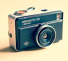 Agfamatic 100 - Old camera by curtismacnewton