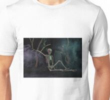 Halloween skeleton resting in graveyard cemetery Unisex T-Shirt