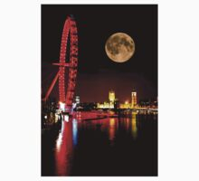 London Eye in red & Parliament by night Kids Tee