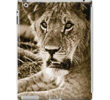 Lioness in Masai Mara, Kenia iPad Case/Skin