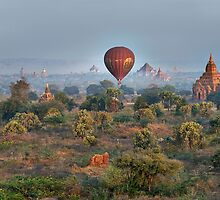 Ballons ride over temples of Bagan by travel4pictures