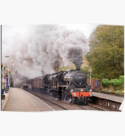 """Double headed Stanier """"Black Five"""" locomotives thunder through Hindley station Poster"""