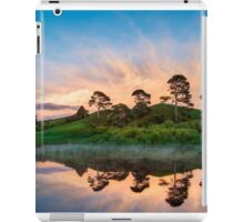 water mirror iPad Case/Skin