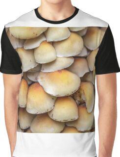 Sulphur Tuft mushrooms (Hypholoma fasciculare) Graphic T-Shirt