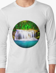 Kiss on the waterfall. T-Shirt
