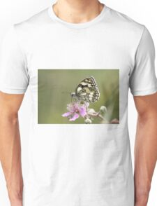Marbled White butterfly (Melanargia galathea) on pink flower. Profile view Unisex T-Shirt