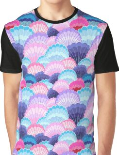 Multicolored pattern of seashells Graphic T-Shirt