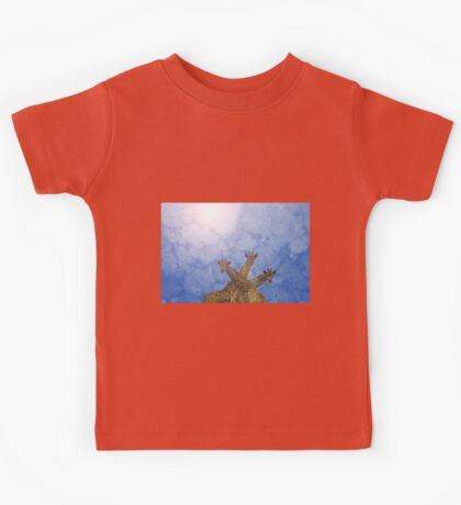 Giraffe Background - African Wildlife Splendor - Blue Wonder and Colors in Nature Kids Tee