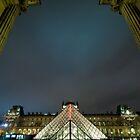 Pyramide du Louvre 002 by agu-photos