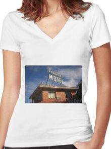 Route 66 - Paradise Motel Women's Fitted V-Neck T-Shirt