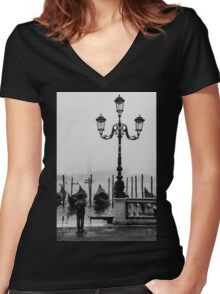 Young photographer Women's Fitted V-Neck T-Shirt