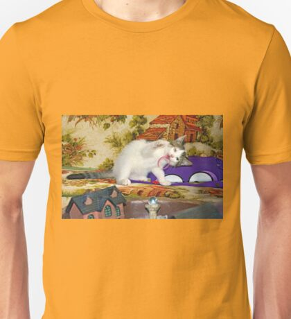 Kitten playing Unisex T-Shirt