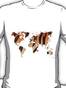 World map in animal print design, tiger pattern T-Shirt