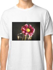 FANCIFUL PURPLE DAISY Classic T-Shirt
