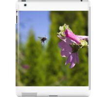 Bee and pink flower iPad Case/Skin
