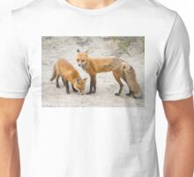 Red fox family Unisex T-Shirt