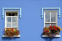 Window decorations in Dingle - Ireland by Arie Koene