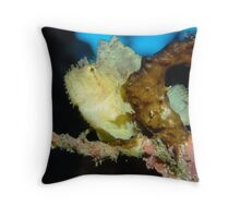 Leaf Scorpionfish Throw Pillow