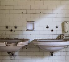 dilapidated bathrooms by spetenfia