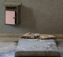 mattress in abandoned hospital by spetenfia