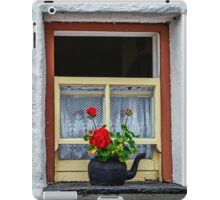 Traditional Cottage Window - Bunratty - County Clare - Ireland iPad Case/Skin