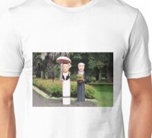 Old married couple sculptures Unisex T-Shirt