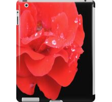 RED ROSE WITH RAIN DROPLETS iPad Case/Skin