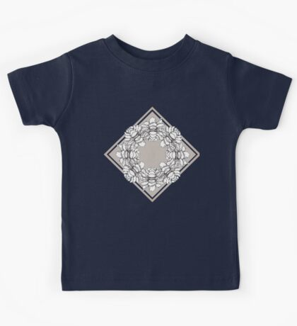 Black and white symmetric flowers Kids Tee
