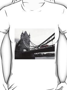 London Bridge Black & White with Red Bus T-Shirt