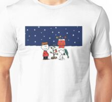 Charlie brown and snoopy christmas Unisex T-Shirt