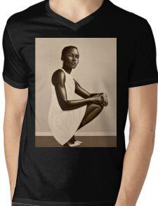Lupita Nyong'o Painting Mens V-Neck T-Shirt