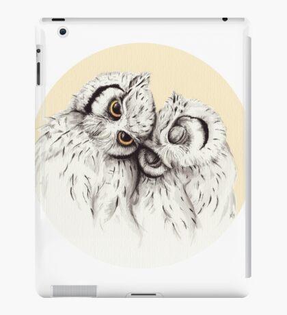 Little Owls cuddling iPad Case/Skin