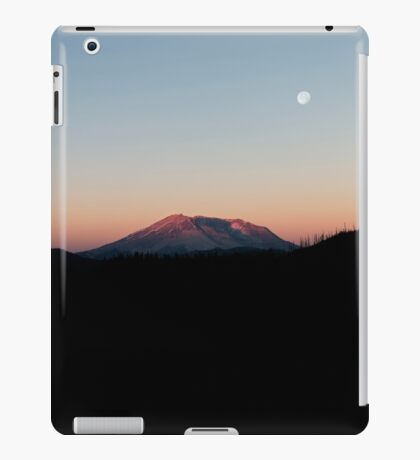 Mount St. Helens At Sunrise. iPad Case/Skin