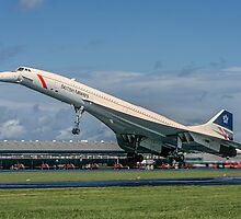 Concorde 102 G-BOAB landing at Farnborough by Colin Smedley